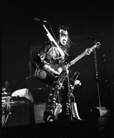 Kiss at Cow Palace, '77 (9)