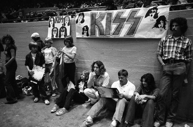 Kiss at Cow Palace, '77