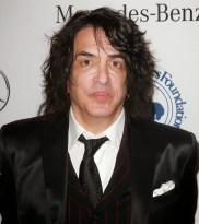paul-stanley-26th-anniversary-carousel-of-hope-ball-021