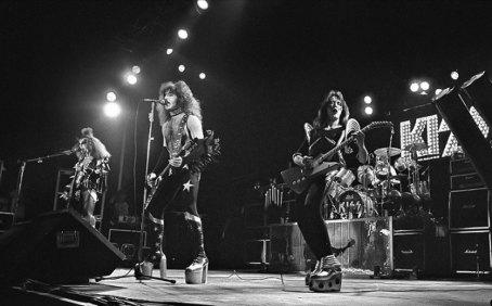 den-1976-1
