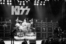 den-1976-13