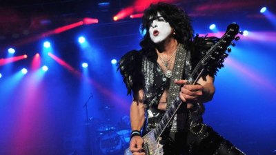 paul-stanley-by-jim-dyson
