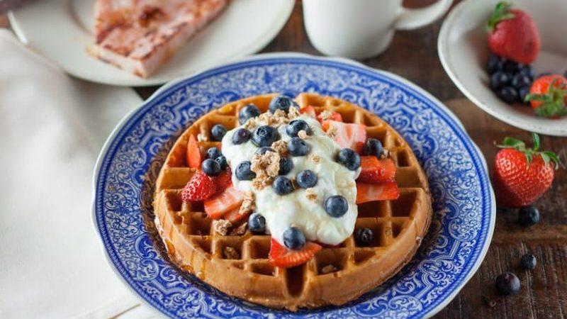 Waffle fruits & Yogurt