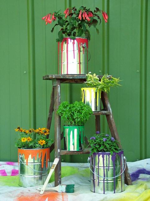 diy garden paint cans decor idea