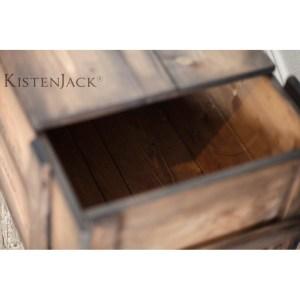 vintage-möbel-holzkiste-bordeaux-07