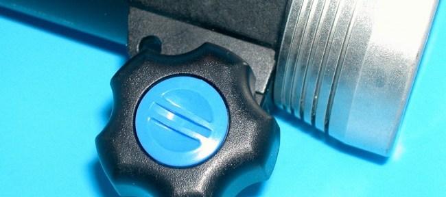 FIX LED500 DXのアーム固定ネジの交換
