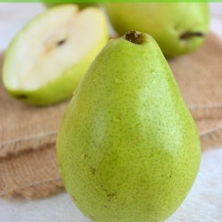In Season: Pears! (Tips, Tricks and Recipes)