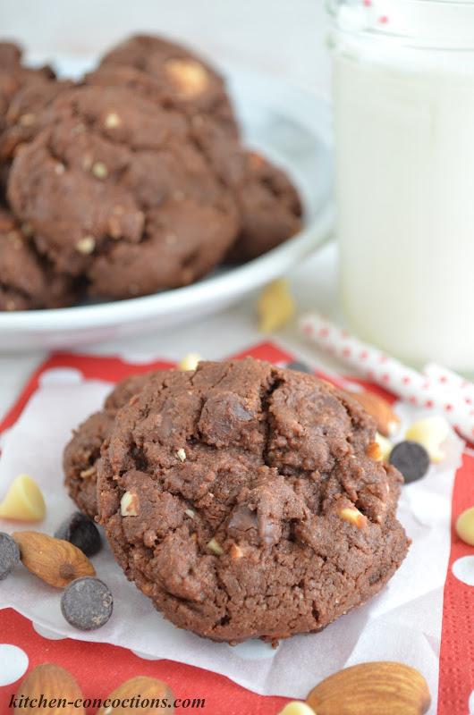 Tate's Bake Shop Double Chocolate Almond Cookies