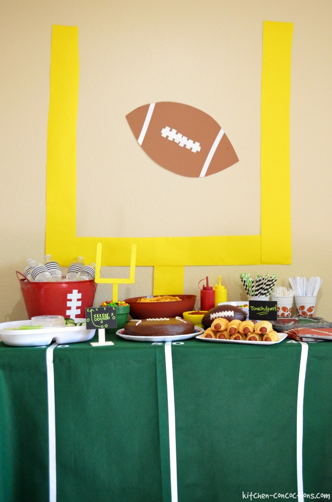 Football party ideas including diy football cake for Kitchen decoration games