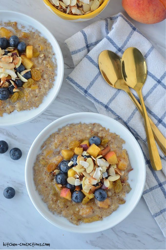 Slow Cooker Blueberry Peach Oatmeal