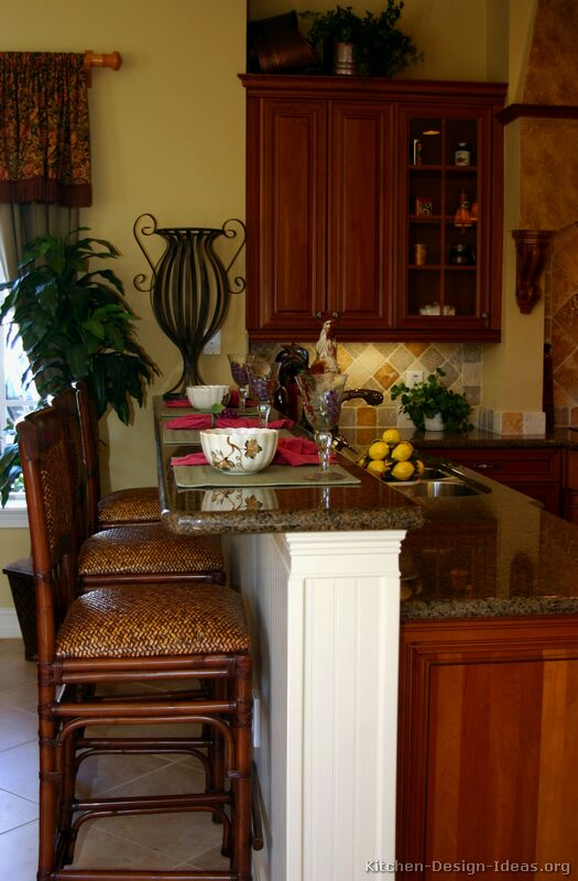 These traditional golden-brown bar stools are a good match for a Tuscan kitchen