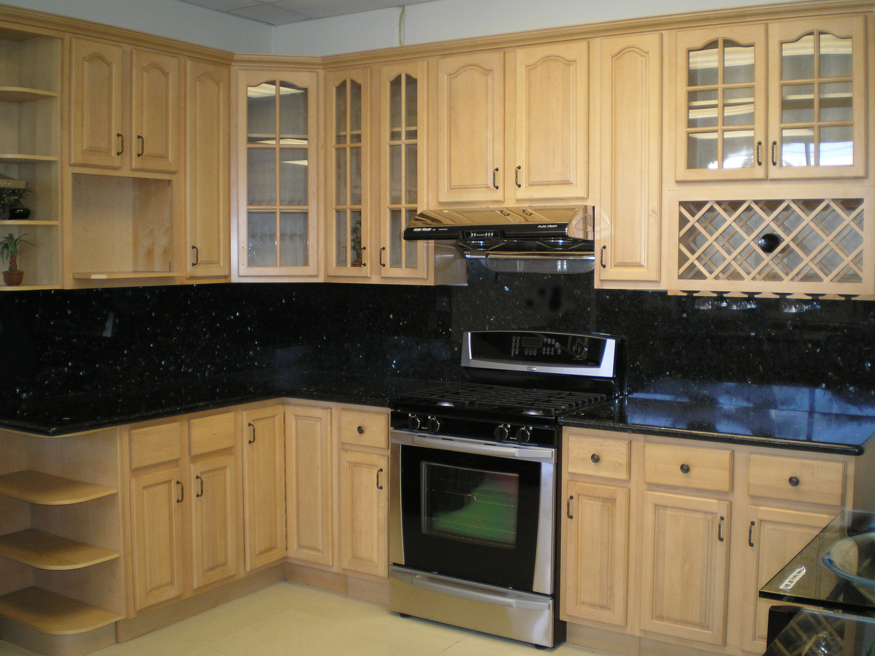 Maple Cabinets Black, Cabinets Black Counter, Cheap ... on What Color Backsplash With Maple Cabinets  id=52360