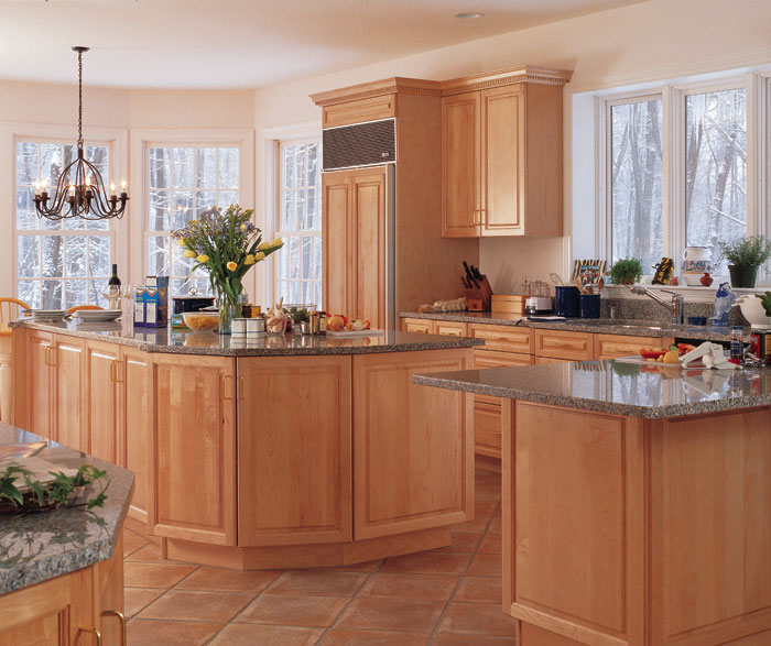 Light Maple Cabinets in Kitchen - Kitchen Craft Cabinetry on Kitchen Countertops With Maple Cabinets  id=14800