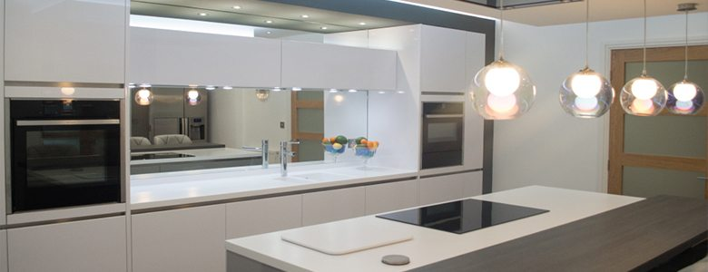 fitted kitchen with freestanding elements