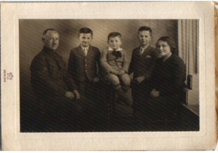 Kitchener camp, Ignatz Salamon and family 1942
