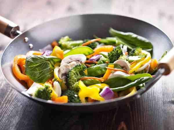 22457672 – vegetarian wok stir fry