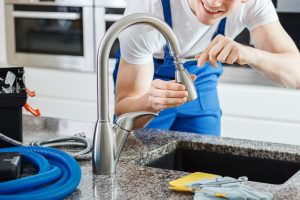 how to fix a leaky kitchen faucet