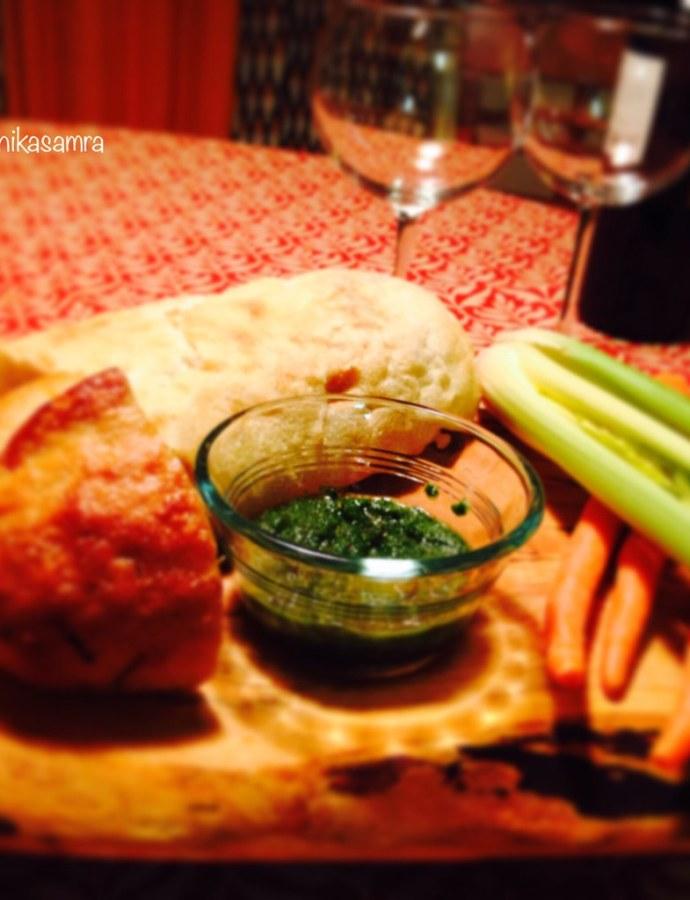 Hari Chutney, mint-coriander dip