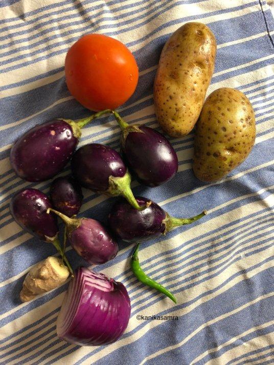 Ingredients for Aloo Baingan