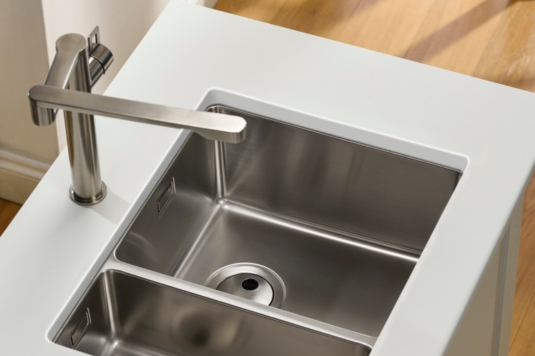 Abode launches new Matrix R15 sink range - Kitchens Review