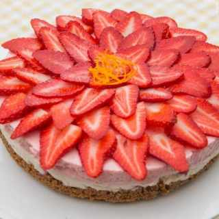 No-Bake Strawberry and Vanilla Cheesecake