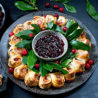 Festive Sausage Roll Wreath With Honey Mustard Glaze