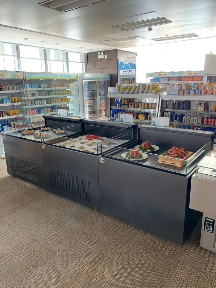 open display showcase