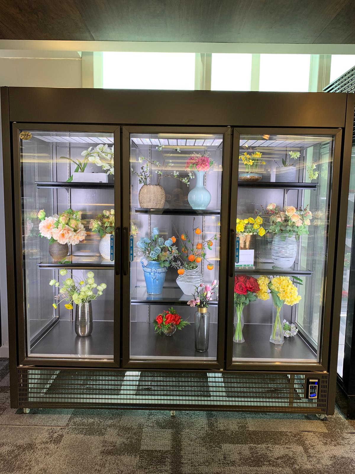 flower upright showcase