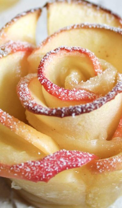 Apple roses made from puff pastry