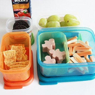 Making School Lunches Fun with Rubbermaid lunch BLOX