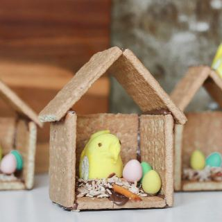 Graham Cracker Easter Birdhouse