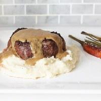 Steak au Poivre (steak in a cognac cream sauce)
