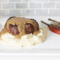 Steak au Poivre (steak in a cognac cream sauce)