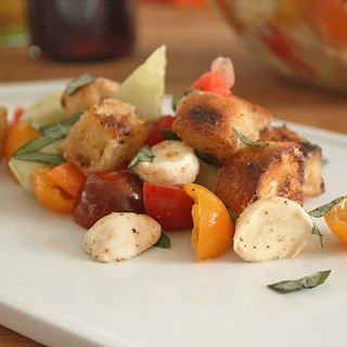 Panzanella (Tomato and Toasted Bread Salad)