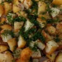 طريقة عمل سلطة البطاطا المشوية