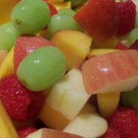 إعداد سلطة الفواكه الصيفية