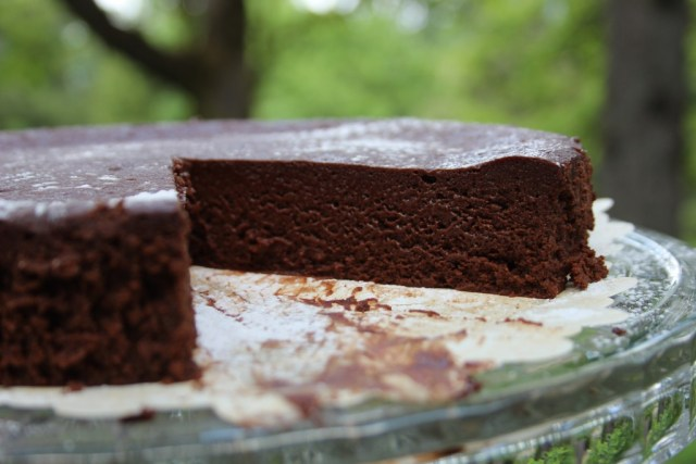Flourless chocolate cake, gluten free simplicity