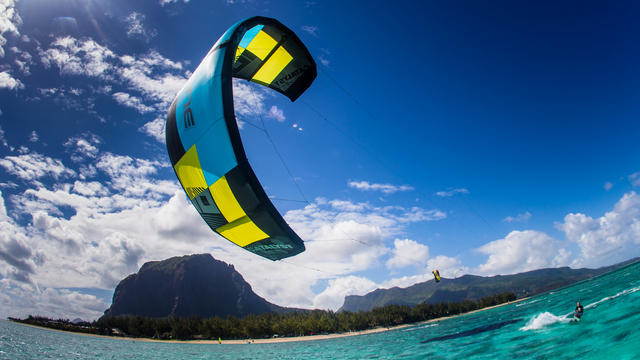 Ozone Catalyst 2013 - Sold and stocked by Kiteboarding Cairns Australia