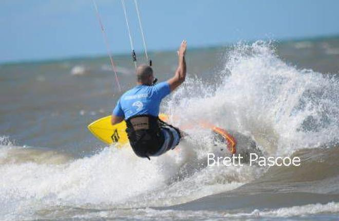 Kitesurfing Palm Cove and Yorkeys - Kiteboarding Cairns Australia
