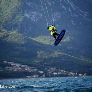 Read more about the article kite club navene