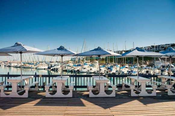 Restaurants at Club Mykonos marina