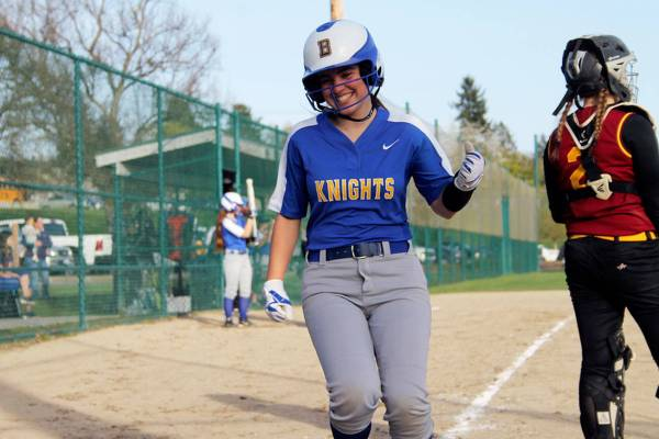 Linkemyer's clutch hit lifts Bremerton to 10-8 victory ...