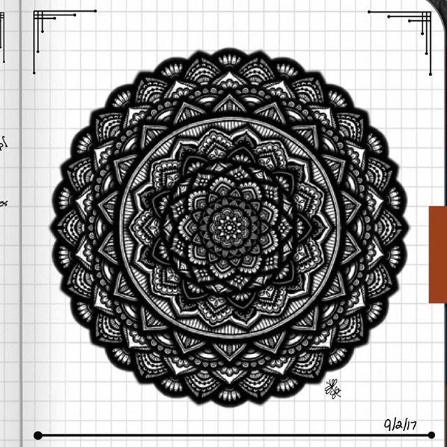 TBT : Closeup of Bullet Journal Mandala from 9/2/17