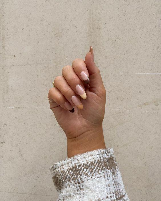 Brown Tonal French Manicure Tips| We love a classic French manicure, it's elegant and timeless. But, we also love classic with a twist. Here are all the alternative French manicure styles you need | www.kittyandb.com #Brown #BrownNails #NailArt #French #Tip #FrenchManicure #Nails #Monochrome