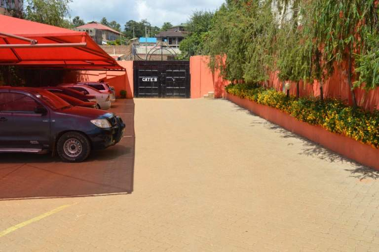 Kitui Premier Resort Shade Parking