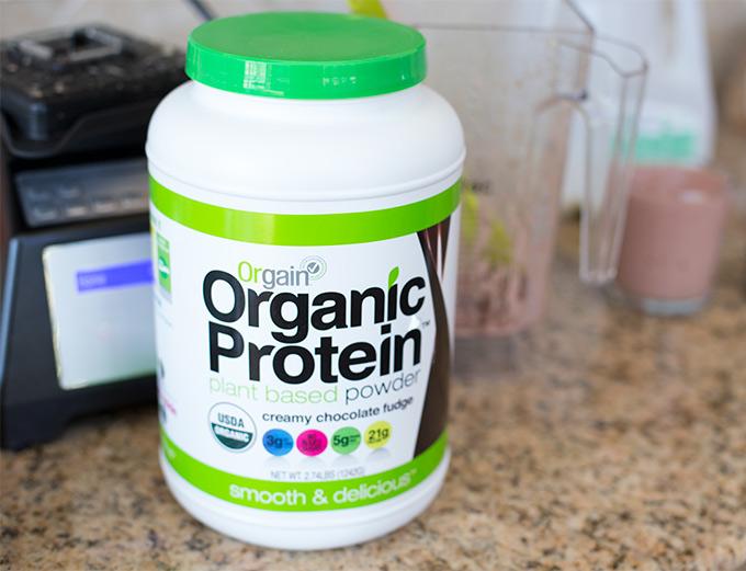 Chocolate raspberry protein smoothie-Organic protein powder