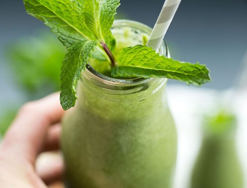 Minty Shamrock Smoothie - a low-fat smoothie packed full of greens and healthy micronutrients! The added collagen peptides give it a boost of protein, which makes it the perfect post-workout snack!