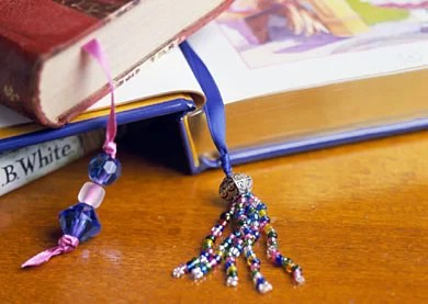 cool craft ideas for teenagers-ribbon book mark