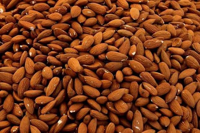 Amazeballs bliss balls - almonds
