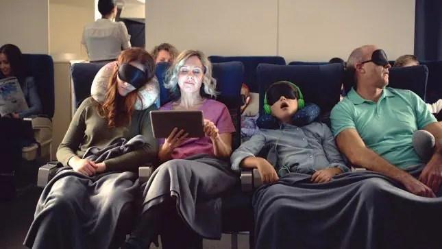 Traveling-with-kids-Mom-ipad